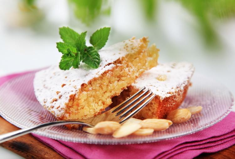 Gluten free almond cake