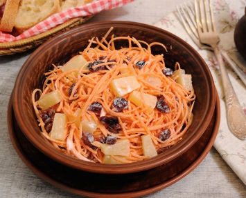 Carrot Salad with Pineapple