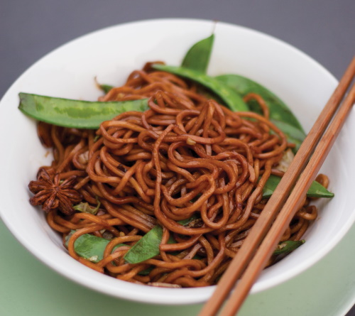 Shanghai Chinese fried noodles