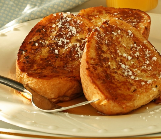 French toast with sweet topping