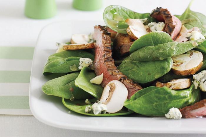 Creamy spinach salad