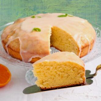 Orange cake with walnuts