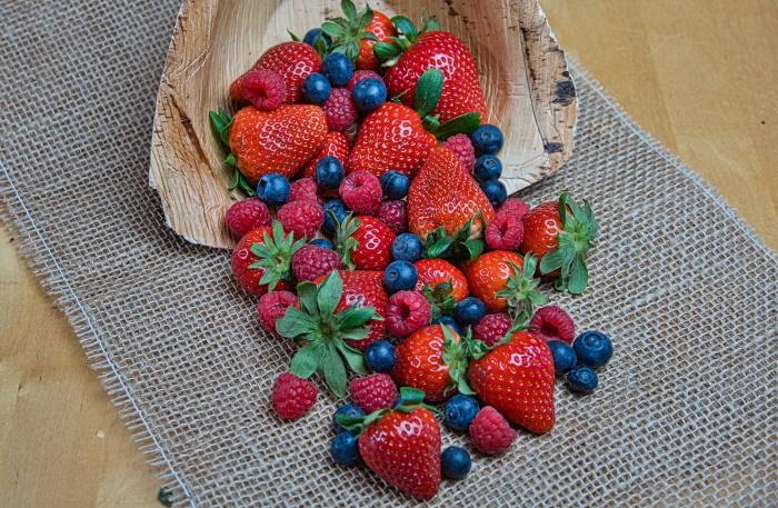 health benefits of blueberries, strawberries and raspberries