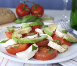avocado caprese salad recipe