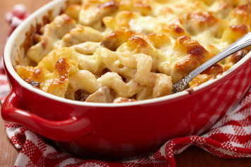 Baked mac and cheese with chicken