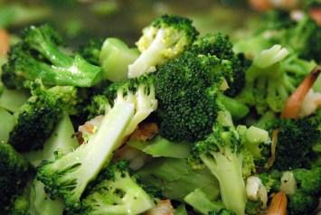 Chinese Stir Fry Broccoli and Mushrooms