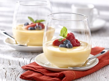 white chocolate pudding with orange